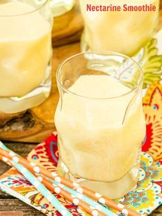 Treat yourself and your family with a Nectarine Smoothie. Fresh fruit is combined with yogurt, milk, and honey for a delightfully delicate flavored drink. Diabetic Smoothies, Low Carb Smoothies, Good Smoothies, Breakfast Smoothies, Smoothie Recipes, Nectarine Smoothie, Tasty, Yummy Food, Fruits And Veggies