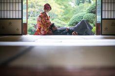 名古屋,愛知,和装,その他国内,ヘッドアクセサリ,正座,寝そべる,日本家屋,色打掛け 赤,ロケーションのフォト | Famarry[ファマリー]