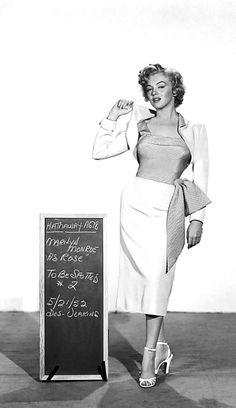 Marilyn Monroe in a costume test for Niagara, 1952.