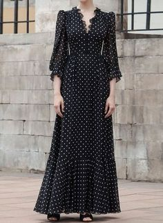 Polka dot V-neck gown by Ulyana Sergeenko Demi Couture - moda Simple Dresses, Cute Dresses, Beautiful Dresses, Casual Dresses, Summer Dresses, Vintage Dresses, Dresses With Sleeves, Givenchy Couture, Dior Haute Couture