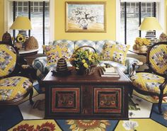Lucia Baratta's beehive home in New Jersey #bees #beehive #family #newjersey #DecorateHappy