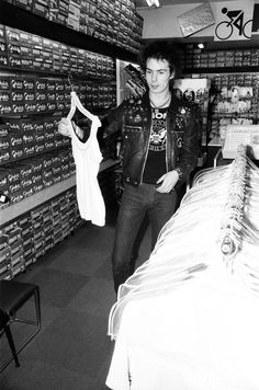 Sid Vicous shopping in Eindhoven, Holland, 1977