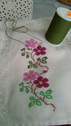 Cross Stitch Letters, Cross Stitch Bookmarks, Mini Cross Stitch, Cross Stitch Borders, Cross Stitch Samplers, Cross Stitch Flowers, Modern Cross Stitch, Cross Stitch Designs, Cross Stitch Embroidery