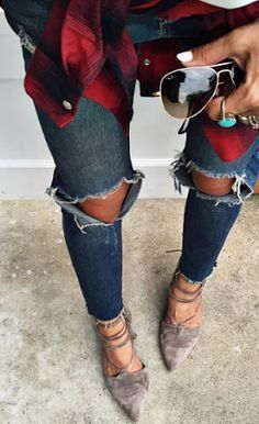 Red plaid shirt + ripped jeans + lace-up flats + Ray Bans. Fall perfection.