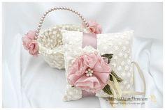 Basket & pillow