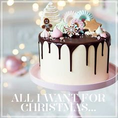 ...is a Peggy Porschen Christmas Cake! Order yours now and our bakers in Belgravia will have it ready in time for Christmas. #christmascake #gingerbread #dripcake #bakedinbelgravia #christmasgifts #peggyporschen #eatdrinkandbemerry
