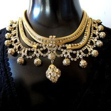 Gold Tone Mesh and Rhinestone Chandelier Necklace - this older piece of bling is fab!