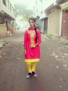 Beautiful Girl Photo, Beautiful Girl Indian, Beautiful Saree, Beautiful Indian Actress, Indian Girl Bikini, Indian Girls, Beauty Full Girl, Beauty Women, Indian Navel