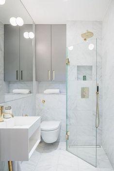 Inspiring Small Bathroom Shower Remodel Ideas Schöne kleine Badezimmer Dusche Remodel Ideas This image has. Small Bathroom With Shower, Modern Bathroom Design, Bathroom Interior Design, Bathroom Ideas, Master Bathroom, Bathroom Makeovers, Budget Bathroom, Shower Ideas, Bathroom Remodeling