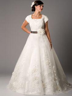 modest-wedding-gowns-designer.jpg (600×800)