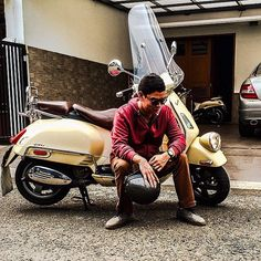 Brought it back to home after being 'hospitalized' for a week. @vespa_official #vespa #piaggio #gtv #scooter