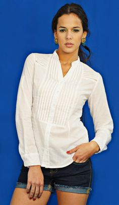 camisa blanca Shorts, Chic, Long Sleeve, Sleeves, Outfits, Tops, Fashion, Nightgown, White Shirts