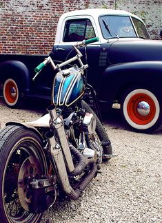 Love the frisco pipes & z bars on this little brat. Plus I mean you gotta love the '48-49 Chevy