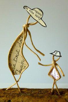 Ficelle-et-Papier Diy Crafts For Gifts, Book Crafts, Paper Crafts, Sculptures Sur Fil, Copper Wire Art, Wire Art Sculpture, Girl Scout Swap, Wire Flowers, Angel Crafts