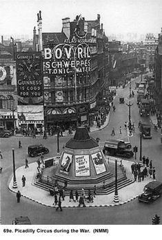 Picadilly Circus - London, during World War II.