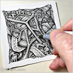 Eni Oken is an award winning artist with 30 years of experience, writing about Zentangle®, Shading, Fantasy design and Jewelry making. Dibujos Zentangle Art, Zentangle Drawings, Ink Doodles, Doodles Zentangles, Doodle Patterns, Zentangle Patterns, Zen Doodle, Doodle Art, Steampunk Drawing