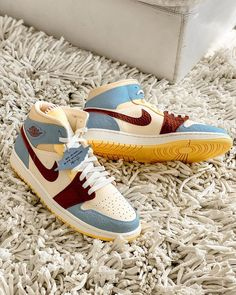 tips zapatos mujer tips zapatos mujer Cute Sneakers, Sneakers Mode, Sneakers Fashion, Fashion Shoes, Shoes Sneakers, Zapatillas Nike Huarache, Souliers Nike, Nike Air Shoes, Aesthetic Shoes