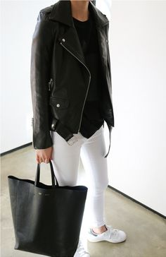 Black and White Fashion Stan Smith Branco, How To Wear Blazers, Sneakers Looks, Dressing, Rocker Style, Minimalist Fashion, Minimalist Chic, White Fashion, Jeans Style
