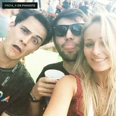 Lewis' face in this video though. Wireless 2015