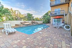 Charming Holmes Beach Condo w/ Pool Access! You'll be steps from the beach when you book this Holmes Beach vacation rental condo. Florida Springs, Florida Beaches, Beach Condo, Beach Town, Spring Break Vacations, Holmes Beach, East Coast Travel, Beach Vacation Rentals, Florida Travel