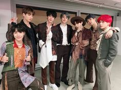 Image shared by Melissa Valone. Find images and videos about kpop, bts and jungkook on We Heart It - the app to get lost in what you love. Jungkook Dance, Bts Bangtan Boy, Jimin Jungkook, Taehyung, Jung Hoseok, K Pop, Seokjin, Namjoon, Frases Bts