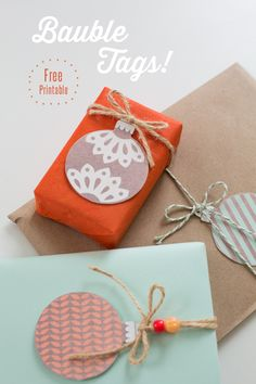 Such an easy and pretty way to make your ordinary gift wrap go from drab to fab!great for last minute gift wrapping!! {Freebie} Bauble Tags