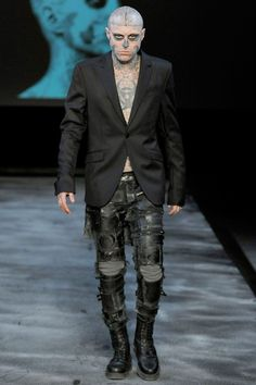//|V|\ : Rick Genest for Thierry Mugler