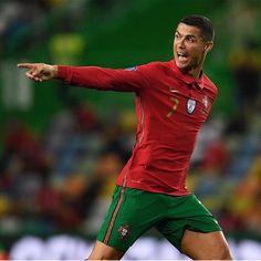 Sc Braga, Portugal National Team, Cristiano Ronaldo Juventus, International Football, Soccer Stars, Goalkeeper, Manchester City, Squad, Bengal