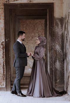 Wedding Outfits For Groom, Pre Wedding Poses, Wedding Couple Poses Photography, Muslim Wedding Dresses, Wedding Dress Sleeves, Wedding Couples, Bridal Lehenga Images, Hijabi Gowns, Hijab Prom Dress
