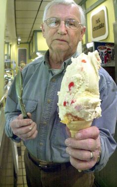 Long before Dairy Queen or Happy Berry, 50 years ago Isaly's in Oakland was a destination for Skyscraper Ice Cream and chopped chipped ham (and its customers appreciated the combination). Protein Ice Cream, Yogurt Ice Cream, Trim Healthy Recipes, Chopped Ham, Peanut Butter Brownies, Ice Cream Party, Ice Cream Maker, Homemade Ice Cream, Ice Cream Recipes