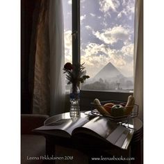 What better view from the window for an Egyptologist and writer? Rading a book with a view to the pyramids of Giza. Pyramids Of Giza, Giza Egypt, Life In Ancient Egypt, Egypt Culture, Airplane Window, Egypt Fashion, Great Pyramid Of Giza, A Writer's Life, Visit Egypt