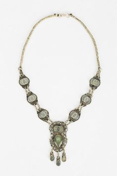 Farah Stone Necklace #urbanoutfitters