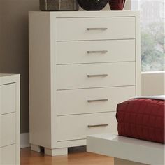 Jessica Collection Chest in a White Finish with five Drawers