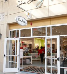 Our New Outlet Store is Now Open...this is the place in Orlando! I've been here, did a LOT of damage and WAS SUPERVISED by my wonderful husband!