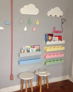 Prateleiras Titi nas cores azul e cinza, prateleiras Lol& nuvem Nina, ganchinhos Juju, cabideiro Nando, mesinhas Carol e Flora e enfeite& Playroom Decor, Baby Room Decor, Kids Decor, Nursery Decor, Home Decor, Playroom Ideas, Baby Bedroom, Baby Boy Rooms, Girls Bedroom