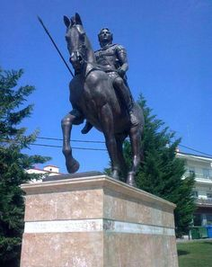 Statue of Alexander the Great in Giannitsa - Macedonia Greece - History of a kingdom of Ancient GREECE Paros, Santorini, Alexander The Great Statue, Greece History, Macedonia Greece, Gian Lorenzo Bernini, Republic Of Macedonia, Hellenistic Period, The Lost World