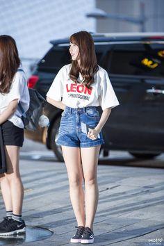 For your favorite Hallyu Star and Kpop Idol's Airport Fashion Korean Airport Fashion Women, Airport Fashion Kpop, Kpop Fashion, Korean Fashion, Girl Fashion, Fashion Outfits, Womens Fashion, Fashion Photo, Kpop Girl Groups
