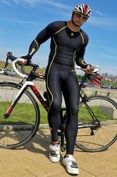 almost every boy in lycra looks good Cycling Lycra, Cycling Gear, Cycling Outfit, Cycling Clothes, Compression Clothing, Lycra Men, Bike Rider, Gym Wear, Skin Tight