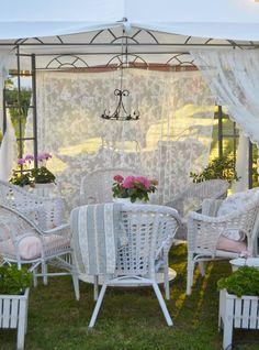 fabulous idea for garden tent