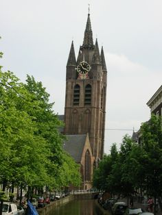 Famous Skew Towers in the World, The church Oude Kerk, the Netherlands Angle of Tower