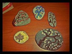 #paintedpebble #stonepainting #rockpainting #pebblepainting #art #stoneart #rockart #pebbleart