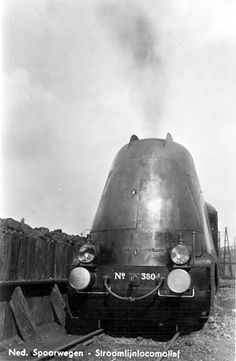 steam loco of the Nederlandse Spoorwegen (Dutch National Railways) Source: Nico Split collection Diesel Punk, Rail Train, Streamline Moderne, Steam Locomotive, Train Station, National Railways, Dutch, Transportation, Pickup Trucks