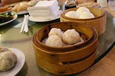 Shun De is an Chinese restaurant on Derrick Avenue in Cyrildene, Johannesburg that serves some of the best dim sum and Oriental food around Oriental Food, Chinese Restaurant, Dim Sum, Sunday Brunch, Lunch, Cheese, South Africa, Desserts, Deserts