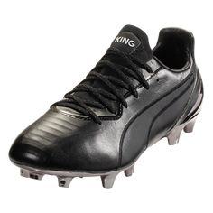 The King has been reborn in the form of the most modern PUMA King ever. Stripped down to the essentials, the new PUMA King Platinum utilizes the best materials fit for. Puma Sport, Soccer Equipment, Best B, Puma Mens, Pumas, Football Boots, The Vamps, Soccer Cleats, Snug