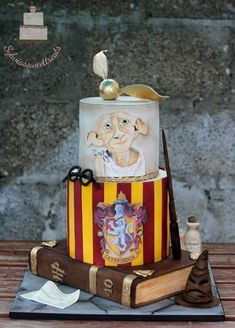 Harry Potter by Sylwia Bolo Harry Potter, Harry Potter Birthday Cake, Dobby Harry Potter, Harry Potter Food, Harry Potter Halloween, Harry Potter Theme, Harry Potter Movies, Harry Potter Bedroom, Candy Gift Box
