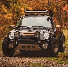 Overland Kitted - Overland Kitted Is it weird that I want a Mini now? Mini Cooper 4x4, Mini Cooper Custom, Mini Coopers, Custom Muscle Cars, Custom Cars, Gt Turbo, Bmw Autos, Lifted Cars, Mini Clubman
