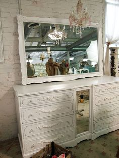 White mirror !!