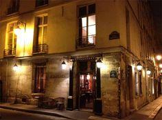 Italialaista ruokaa ja viinejä, Enoteca 25 rue Charles V nelosessa.