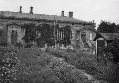 Rouvasväen yhdistyksen lastenkoti, Näsilinnankatu 44. Kuva otettu 1900-luvun alussa.