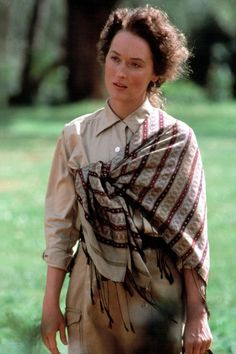 Meryl Streep in Out of Africa.The way she wears wrappe shawls evokes the local tribes. Costume designer Milena Canonero.